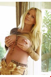 29 yo Female escort NadyaMassage in Moscow