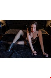 31 year old Female escort Alice in Dusseldorf