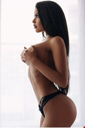 23 year old Female escort Kate in Milan