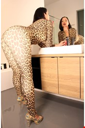 29 yo Female escort Chrystal Xs in London