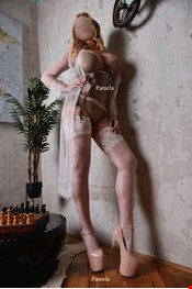 28 yo Female escort Pamela in Paris