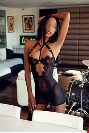 22 yo Female escort Mia Dixion in London