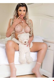24 year old Transexual escort Contana in Bristol