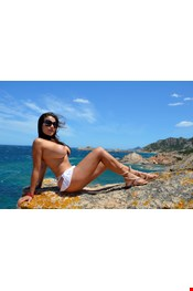 25 yo Female escort CAROLINE wait you in a luxury and  reservate place at balluta REAL PICS in Saint Julians