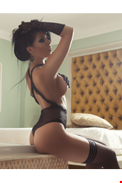 21 year old Female escort CRYS in Saint Julians