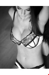 26 yo Female escort Nita in Riga