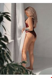 22 yo Female escort DINA in Porec