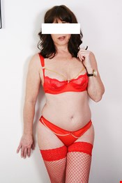 34 year old Female escort Bisara in Leicester