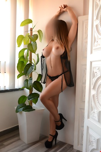 Escort Lisbon, Escort Lisbon, Vitoria Guedes | 25 year old Female escort