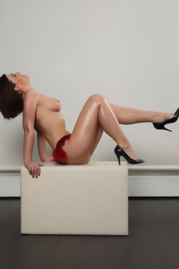 Escort Hamburg, Escort Linda, Hamburg | 42 year old Female escort