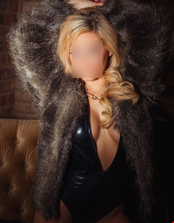 Escort Warsaw, Escort Annieviptravel, Warsaw | 25 year old Female escort