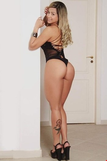 Escort Paris, Chloevip, escort Paris | 25 year old Female escort