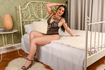 Escort Muscat, Escort Anya, Muscat | 27 year old Female escort
