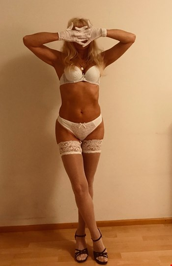 Escort Tallinn, Nika, escort Tallinn | 35 year old Female escort