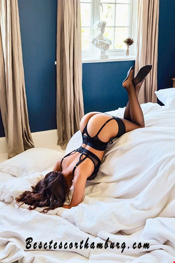 Escort Hamburg, Escort ADELE, Hamburg | 28 year old Female escort