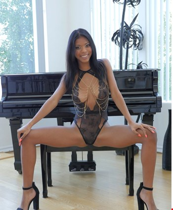 Escort Moscow, Escort alisa, Moscow | 19 year old Female escort