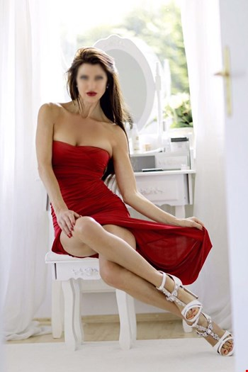 Escort Hamburg, Escort Hamburg, Loiusa | 34 year old Female escort