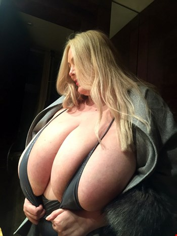 Escort Strasbourg, Escort Strasbourg, Busty adena 140M | 38 year old Female escort