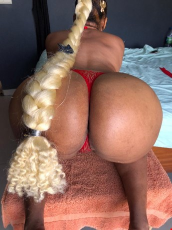 Escort Dakar, Escort CHLOE, Dakar | 23 year old Female escort
