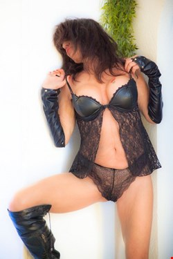 Escort Cannes, Monica, escort Cannes | 47 year old Female escort