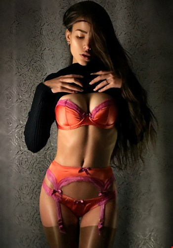 Escort Milan, Escort Liya, Milan | 21 year old Female escort