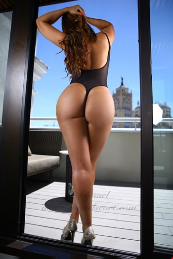 Escort Madrid, Chanel Escort, escort Madrid | 28 year old Female escort
