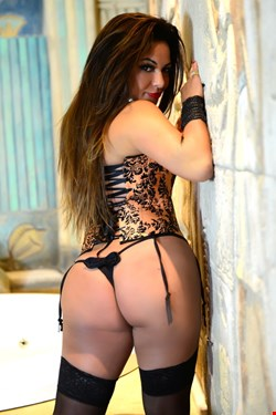 Escort Sliema, Roberta Araujo, escort Sliema | 33 year old Female escort