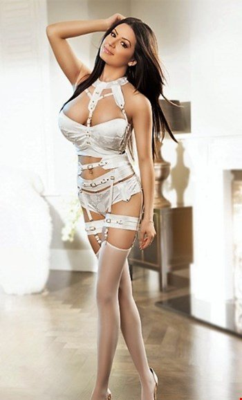 Escort Oslo, Escort Maya, Oslo | 27 year old Female escort