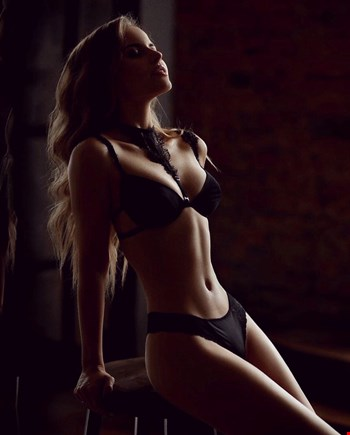 Escort Cannes, Escort Milena, Cannes | 22 year old Female escort