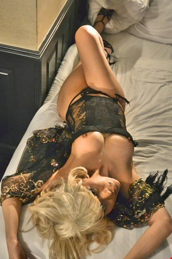 Escort Amsterdam, Escort Courtesan Asmara, Amsterdam | 27 year old Female escort
