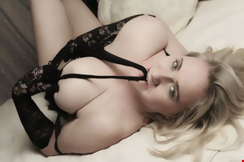 Escort Munich, Escort Madeleine, Munich | 41 year old Female escort