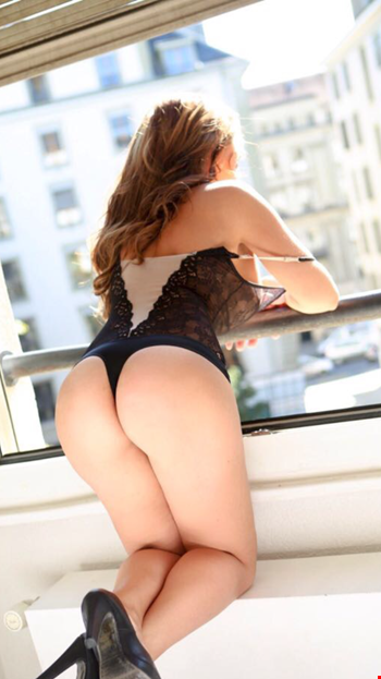 Escort Geneva, Isabella, escort Geneva | 25 year old Female escort