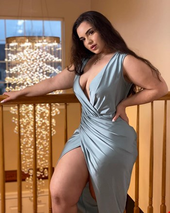 Escort Muscat, Escort emily olivia, Muscat | 20 year old Female escort