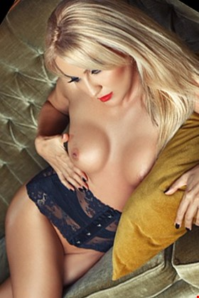 Escort Larnaca, Escort Olya, Larnaca | 24 year old Female escort