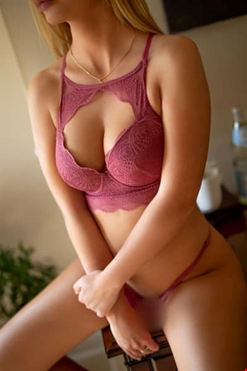 Escort Zurich, Escort Rossalinda, Zurich | 24 year old Female escort