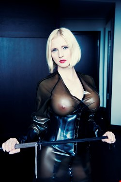 Escort Berlin, Escort Berlin, Mistress Anda | 35 year old Female escort