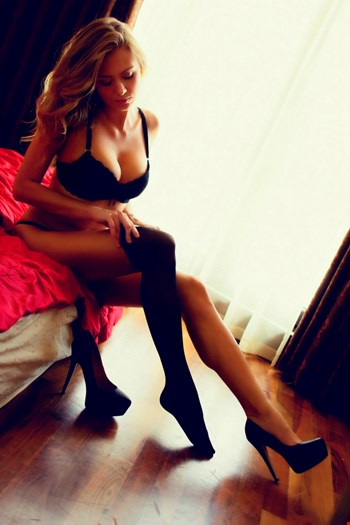 Escort Paris, Escort Lindanew, Paris | 24 year old Female escort