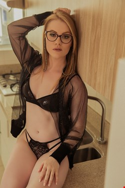 Escort Rome, Escort Rome, roberta | 25 year old Female escort