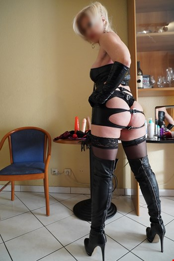 Escort Brabant Wallon, Escort MARIANNA  A  AUBANGE FRONTIERE LUX, Brabant Wallon | 35 year old Female escort