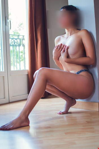 Escort Valencia, kenya, escort Valencia | 21 year old Female escort