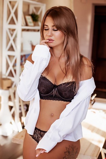 Escort Prague, Escort Sofi, Prague | 24 year old Female escort