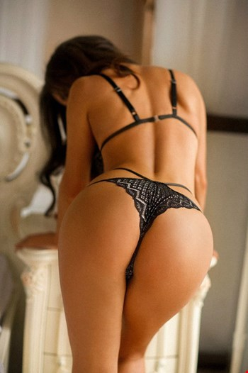 Escort Minsk, Escort Minsk, Victoria | 20 year old Female escort