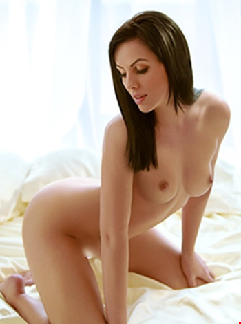 Escort Vilnius, Escort Sexy Young Roxy, Vilnius | 20 year old Female escort