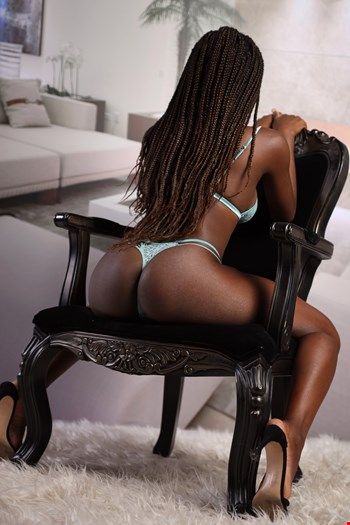 Escort Lisbon, Escort Clau Ferreira, Lisbon | 20 year old Female escort