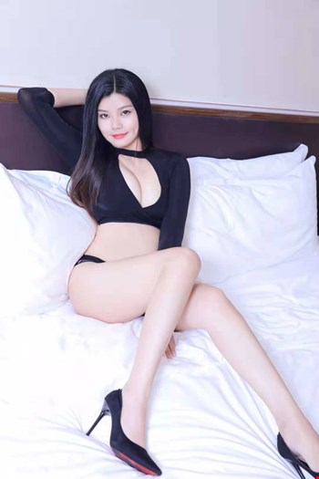 Escort Muscat, Escort tina 96894763098, Muscat | 21 year old Female escort