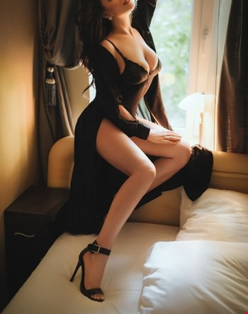 Escort Athens, Escort Ruhi Kaur, Athens | 21 year old Female escort
