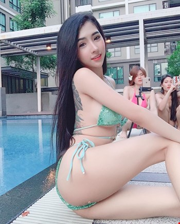 Escort Muscat, Escort sarahhuy, Muscat | 23 year old Female escort