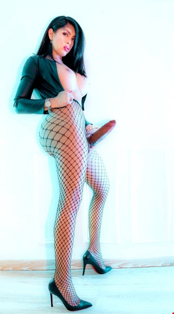 Escort Amiens, Escort Alexandra, Amiens | 24 year old Female escort