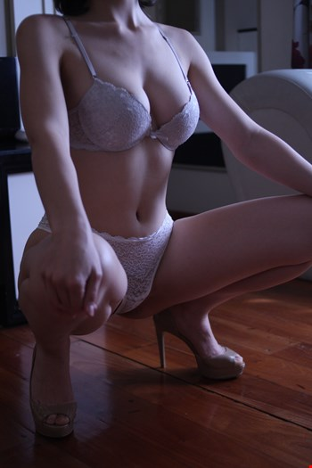 Escort London, Escort Zoey, London | 21 year old Female escort