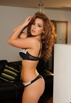 Escort Helsinki, Escort Helsinki, Sol | 21 year old Female escort